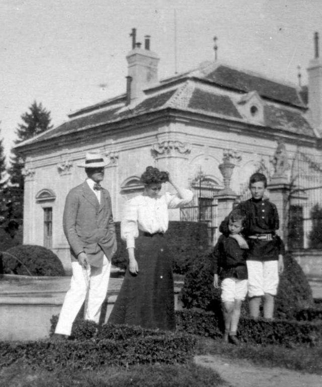 ČR, zámek Buchlovice, hraběcí rodina Berchtoldů,1907