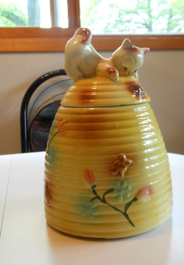 1000 images about american bisque vintage cookie jars on pinterest kettle french poodles and - Beehive cookie jar ...