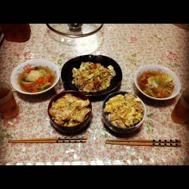 だいすきな人と一緒に - 1件のもぐもぐ - 親子丼、野菜スープ、キャベツと鳥肉の炒め物 by as2sk
