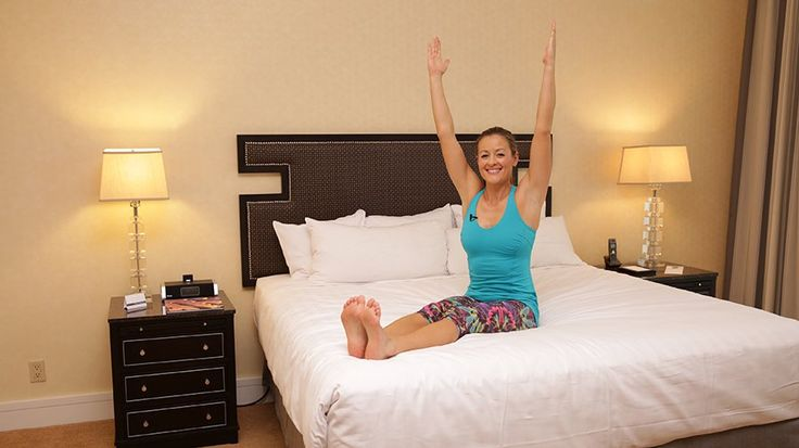 Why Yes, You Can Do This Ab Workouts in Your Hotel Room: If you're traveling a lot this Summer and worried that your ab workouts will fall to the wayside as a result - don't be!