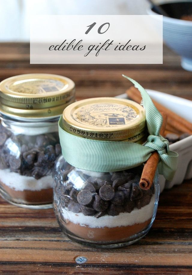Spread Christmas cheer with these 10 Edible Gift Ideas—perfect for sharing with your neighbors, friends, and family. This list includes Honey Rosemary Cashews and Walnuts, Peppermint Bark Recipe, DIY Hot Cocoa Kit, and so much more!