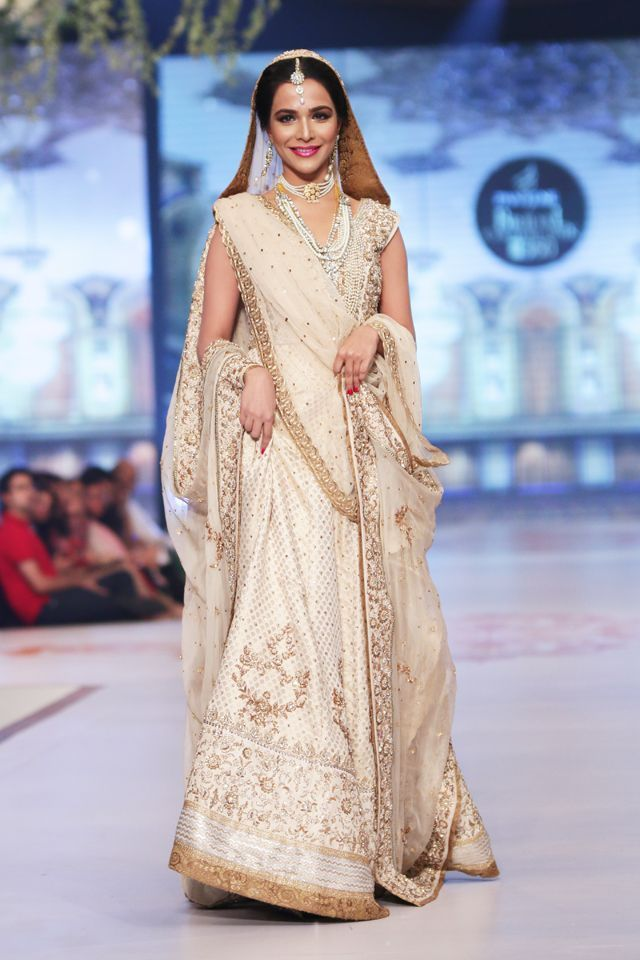 off white lehanga dress by Zaheer Abbas at PBCW 2014