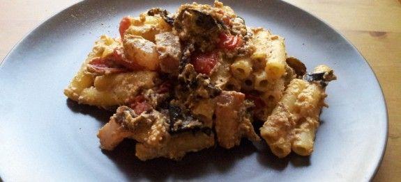 Pasta melanzane, guanciale e ricotta | Ricette Mediterranee, Stagionali e Occasioni Speciali