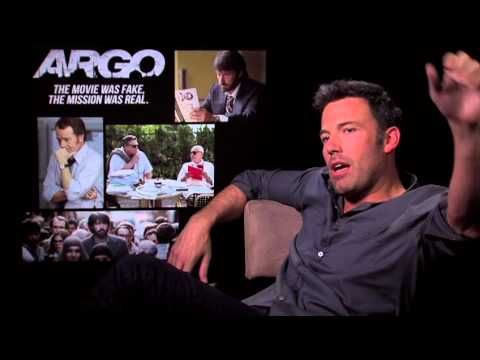 ▶ We loved Bradley Cooper speaking French, now you can see Ben Affleck giving an interview about Argo in Spanish!