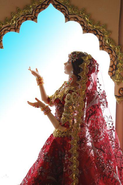 Коллекционные куклы ручной работы. Девушка в индийском наряде. Лариса Исаева. Ярмарка Мастеров. Восточный наряд, Трикотаж с пайетками