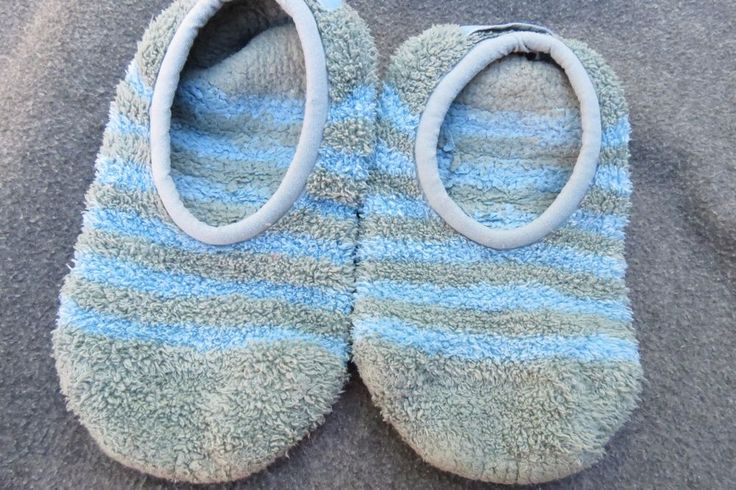 Life is Good Slipper Socks Women's Size S Small Green Blue Slippers Shoes