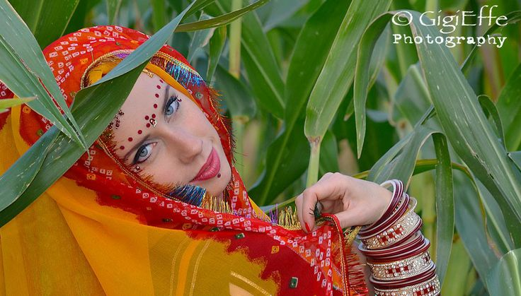 Movimenti sinuosi e #coreografie coinvolgenti! Il ritmo del #Bollywood arriva! ogni mercoledì a Spazio Aries!