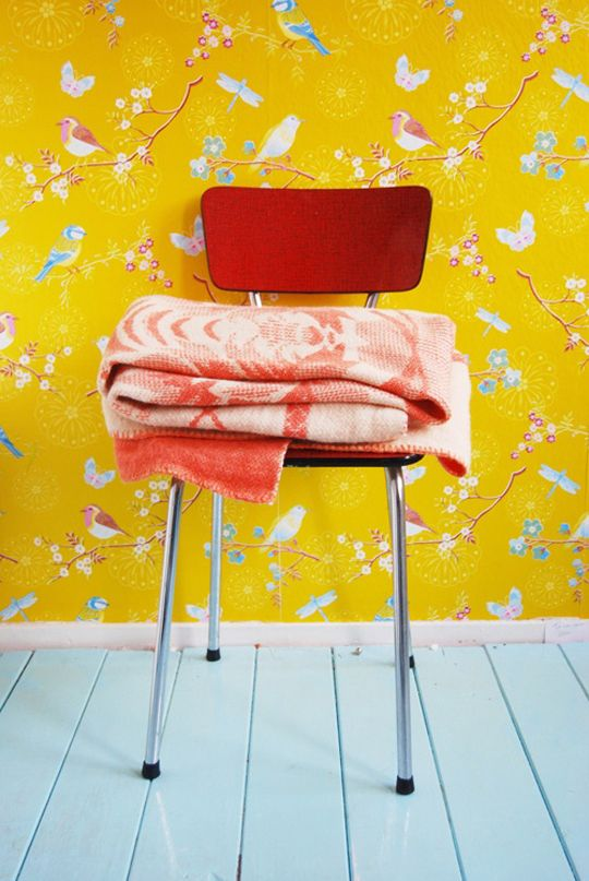 Children's room - Yellow wallpaper from Pip Studio - Via Nie Tylko Dzieciaki