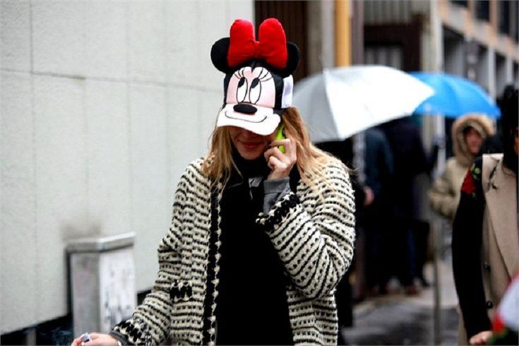 streetstyle foto settimana della moda di milano fashion week outfit look cappello topolino      #streetstyle #look #outfit #mfw #fashionwee #blogger #fashioneditor    www.ireneccloset.com