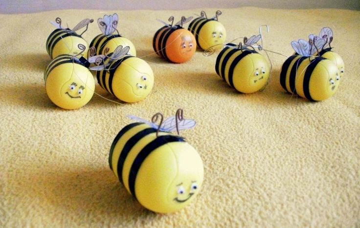 Bee family! reusing kinder-surprise core by Terra Stone