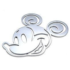 I need a few. Mickey trivet.  I need this for my Mickey Mouse kitchen.