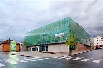 The Science Factory is located in downtown Sandnes and they have a planetarium. Address: Storgata 26, 4306 Sandnes