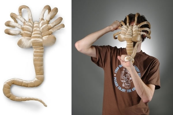 Alien Facehugger Plush ... this says everything I want to say about Christmas this year. Bah. Bloody. Humbug.