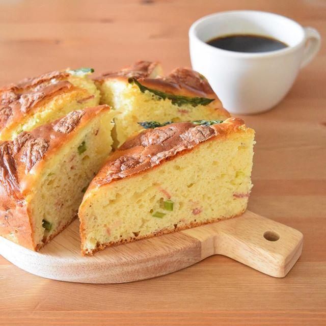 WEBSTA @ keiyamazaki - Today's breakfast. やっぱり平日の朝は予想通り忙しくて、最近自分の朝ごはんはパン1枚