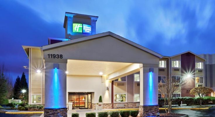 Holiday Inn Express Portland Airport Portland Located off Interstate 205, this hotel offers shuttle service to Portland International Airport, less than 10 minutes' drive away. Free Wi-Fi and a daily hot breakfast are also provided.