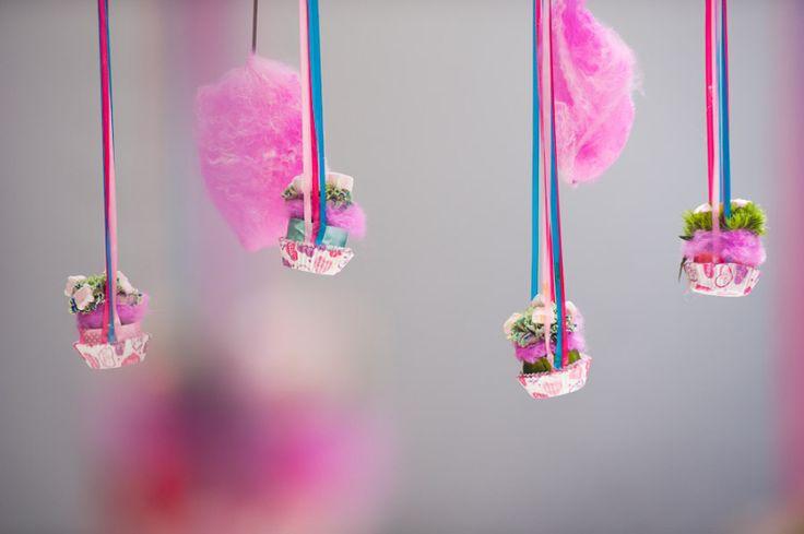 Esküvői dekor, téma: Charlie és a csokigyár #virag, #dekor, #eskuvo, #dekoracio, orokrekepek.hu