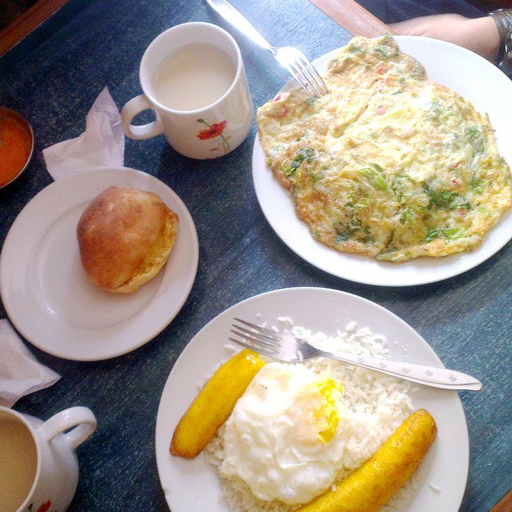 'Cubaanse rijst' en tortilla's... groetjes uit Peru!