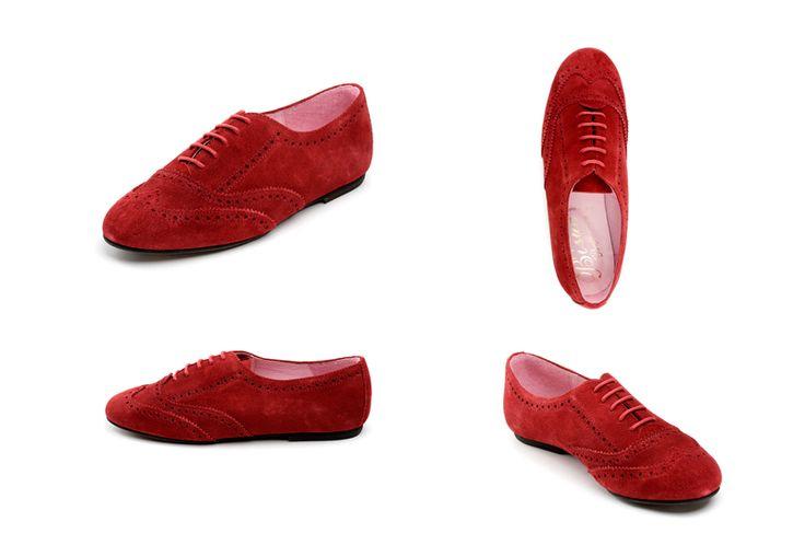 Zapatos de mujer granate de la marca Bisue. Fotografia: Kinoki studio