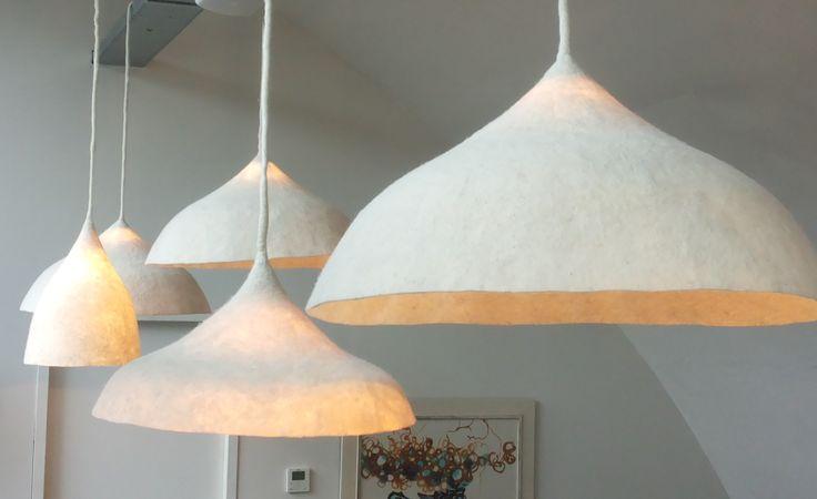 Lampen voor restaurant Pollevie in 3 formaten – VanVilt | ambachtelijk vilt  ontwerp: i-29