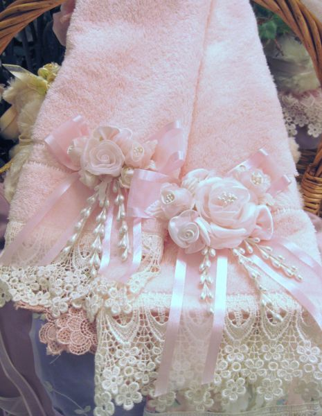 http://www.victoriarosecottage.com  Pink roses lace pearls towel