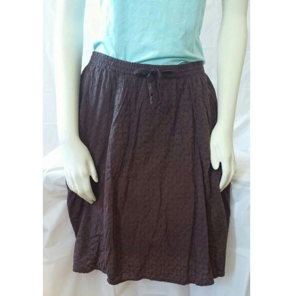SALE TONIGHT GAP cotton skirt BNWOT! Elastic waist very lightweight and flowy. Fully lined, 100% cotton. Beautifully embroidered. GAP Skirts Midi