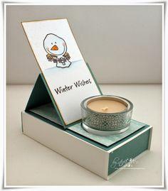 Steffie´s Creative Blog: Easelbox-Karte Das Teelicht, Streichhölzer und ein Keks befindet sich in der Box.