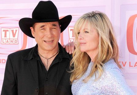 55 best lisa hartman black images on pinterest for Is clint black and lisa hartman still married