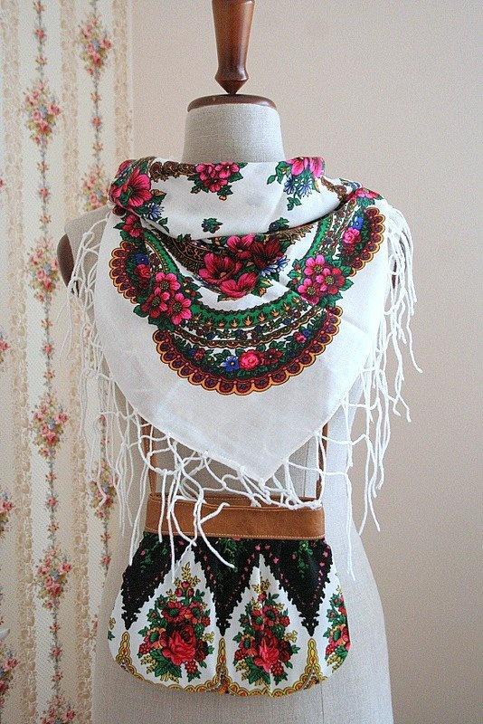 Folkowy komplecik - Dodatki vintage - DecoBazaar. Polish folk shawl and purse.