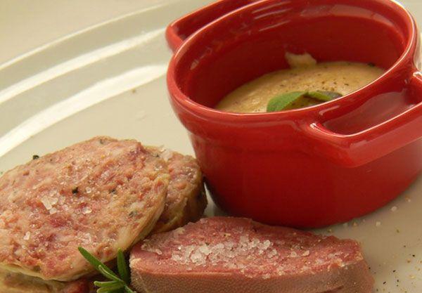 PEARA': salsa contadina a base di pepe e pane grattugiato usata per condire i bolliti.