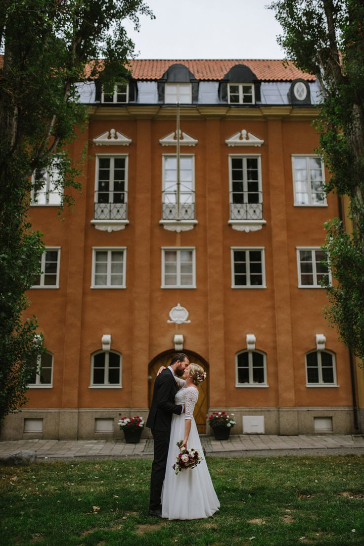 Stockholm summer city wedding. Real wedding story by Nordic wedding photographer Julia Lillqvist | Sofie and Olle | Stockholm bröllopsfotograf | http://julialillqvist.com