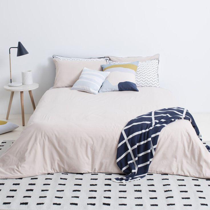 Blush/Graphite Bedding