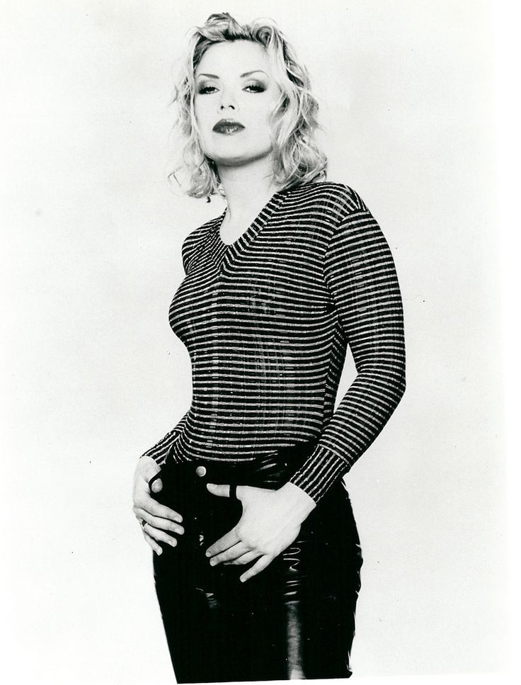 Kim Wilde portrait, 1993. Every effort has been made to try and identify the creator of this photograph. If you feel your rights have been violated, please contact wilde-life directly via this account or via www.wilde-life.com/contact . For more information about Kim Wilde, visit www.wilde-life.com .