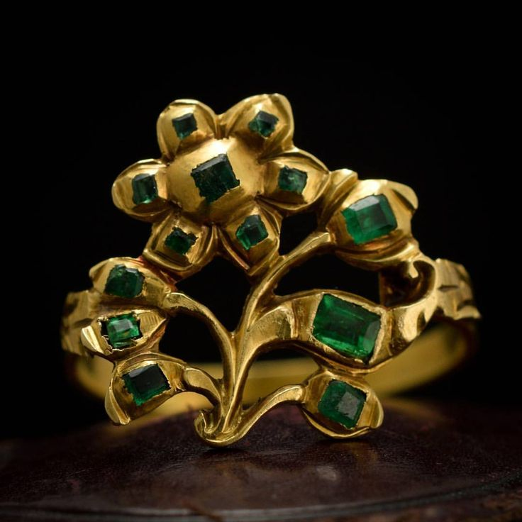 New favorite jewel in the shop: a mid 18th century Iberian ring, fashioned in 18k gold with verdant emeralds sourced from the mines of the then Spanish colony of Colombia. The reverse of the head is delicately engraved in a continuation of the floral theme - you have to check out our website to see this thoughtful and exquisite detail on a part of the ring seen by so few. c. 1750, remarkable, and remarkably priced.
