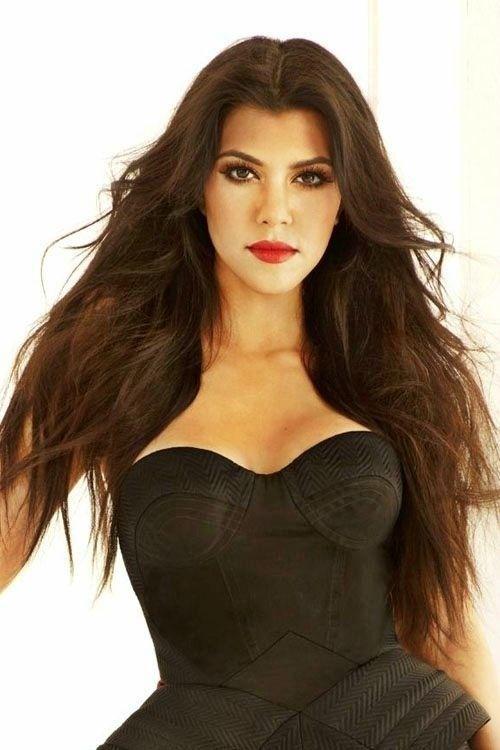 Kourtney Kardashian, love her hair and makeup.
