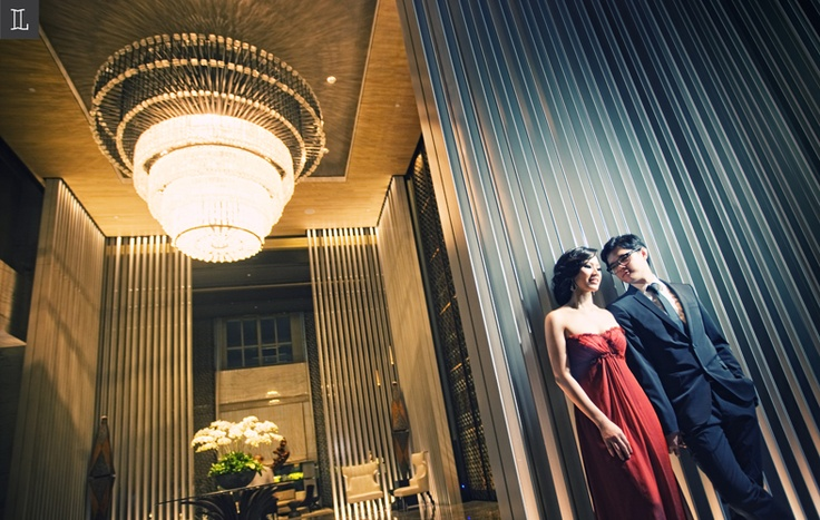 When I first saw you #prewedding #photo #portrait #red #nuance #inspiration