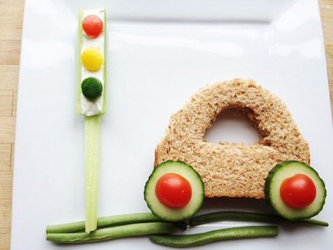 Cute car sandwich...not that little one has lack of appetite!!! Fun to do together
