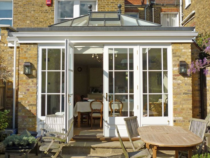 Get the orangery look using a perimeter edge fascia with guttering. Shown here is 'The Bloomsbury' perfect for smaller masonry extensions.