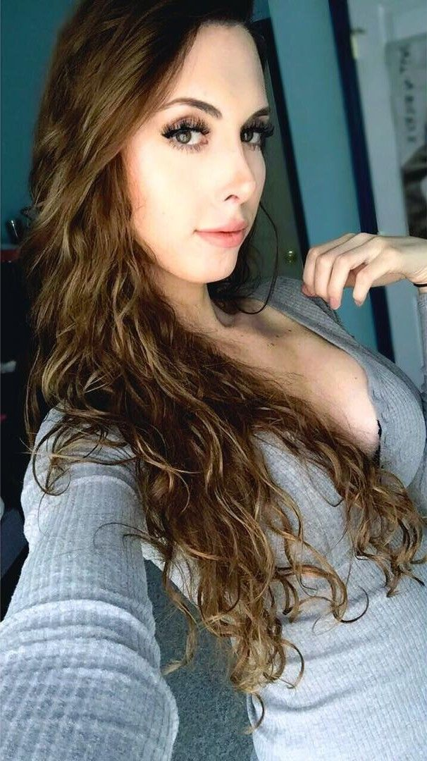 Claire Tyler Green | C - Interesting in 2019 | Long hair ...