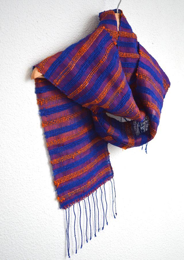Scarf silk blue lines #handmade #sedaypunto #indiedesign #hechoamano #diseñoindependiente #currucutu #accesorios #accessories