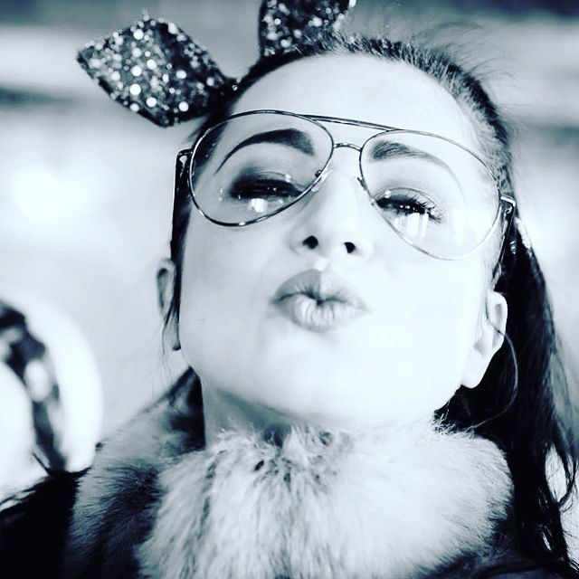 #megitza #retro #polishsinger #bassgirl