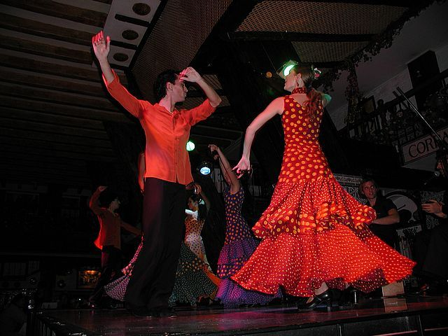 Google Image Result for http://www.cepolina.com/photo/people/sport/dance/2/dancer_Madrid_flamenco.jpg
