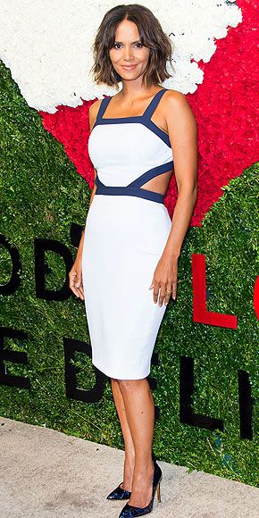 Last Night's Look: Love It or Leave It   HALLE BERRY   Could the actress be taking bob advice from Emma Stone? Halle sports a shorter 'do with her fitted Michael Kors sheath (featuring on-trend cutouts!), and coordinates her blue leopard heels to the piping on her dress for the God's Love We Deliver Golden Heart Awards in N.Y.C.