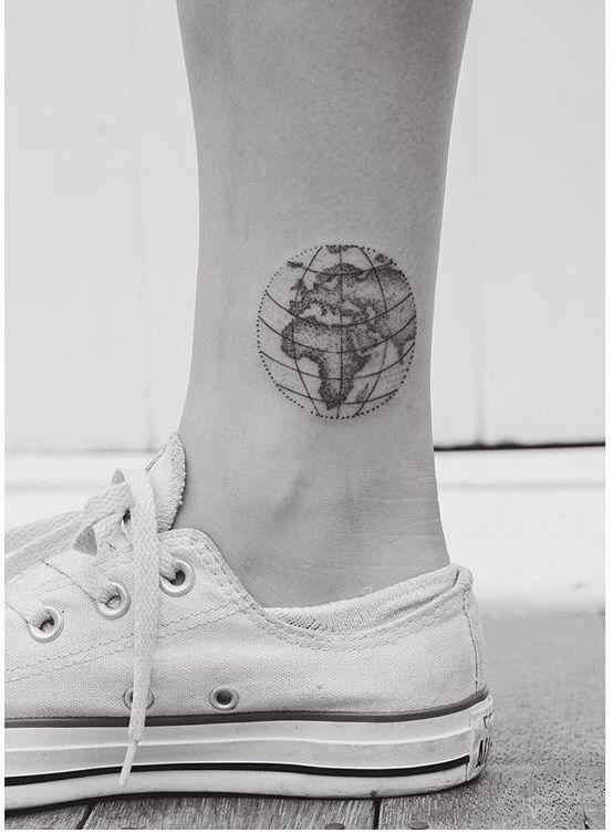 Magazine - Top 25 des tatouages mappemonde - Allotattoo