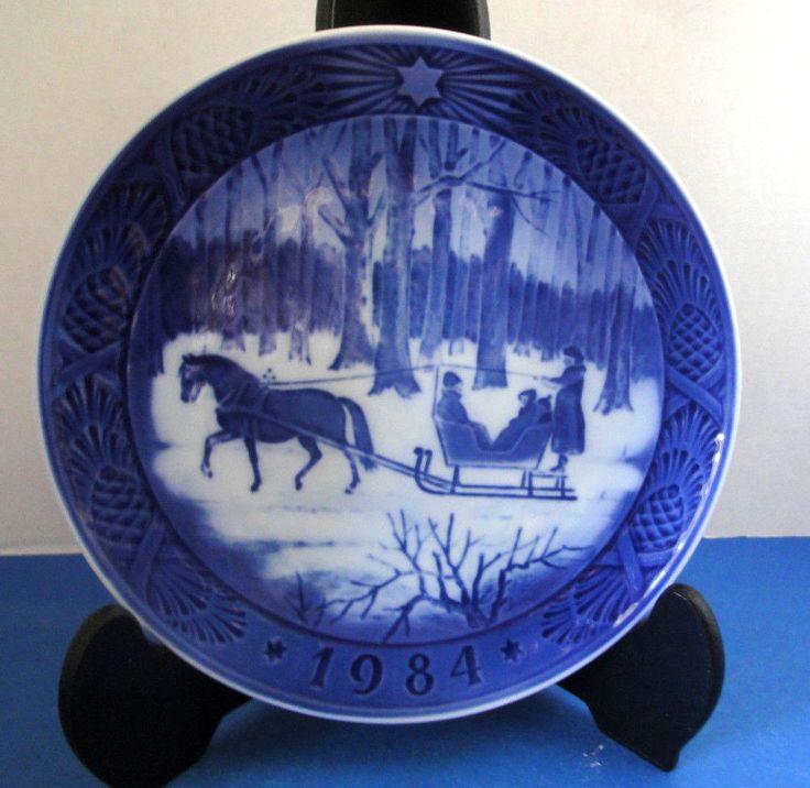 Jingle Bells Sleigh Blue & White Royal Copenhagen 1984 Christmas Collector Plate