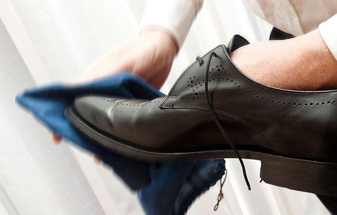 Limpar Sapatos De Couro Flanela Limpar Restaurar Sapatos De Couro Sapatos De Couro Como Limpar Sapatos Sapatos