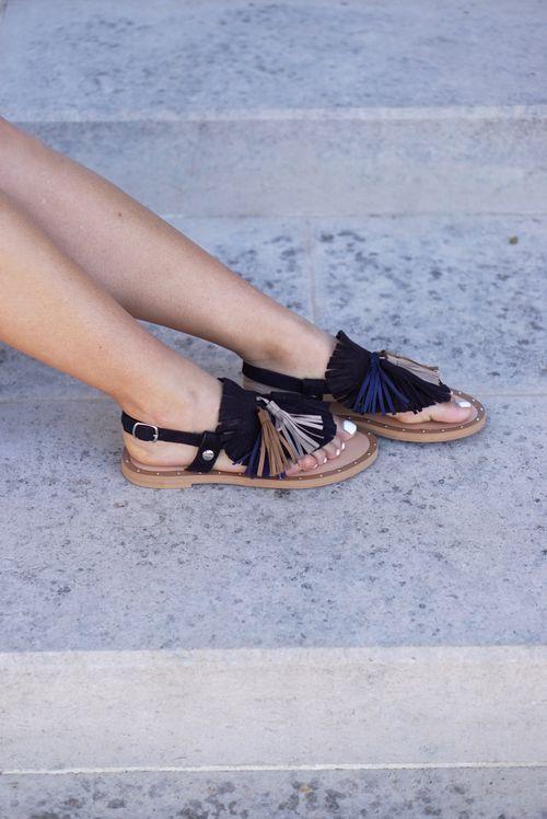 Sandales Plates Franges Et Pompons Ethnic Chic Pinterest Produits Et Technologie Et