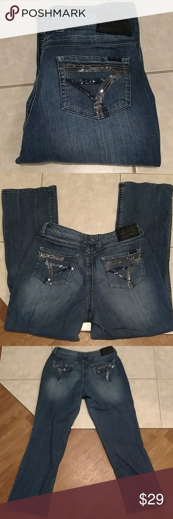 Seven7 jeans Great pair of seven7's jeans in good pre loved condition. Inseam is 31 inches with a rise of 9 inches. Waist flat measures 17.5 inches. 99% cotton 1% Spandex Seven7 Jeans Boot Cut
