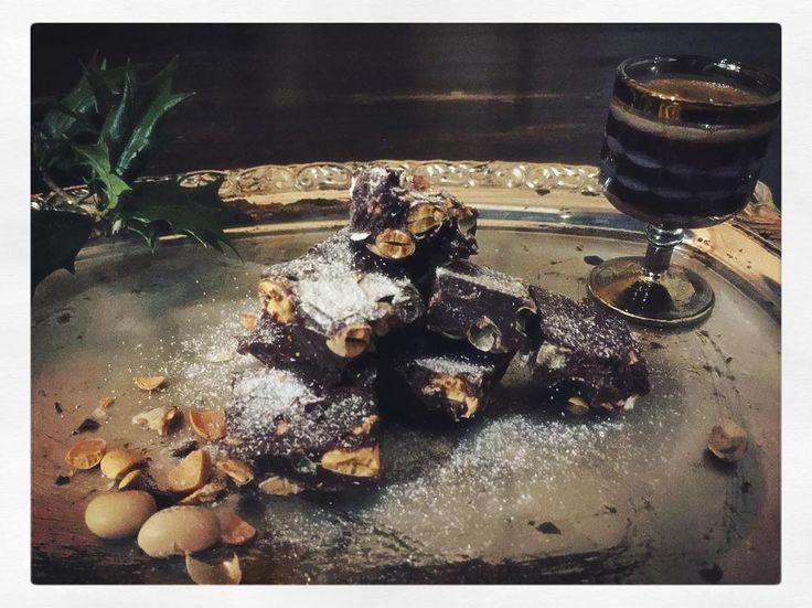 お豆の数ママ何個  こっそりチョコで隠しちゃお  そしてこっそりエスプレッソといただきます    #豆チョコ #節分 #foodpic #チョコ #チョコレート #chocolate #chocolates #bittersweet #valentine #手作りおやつ #おやつ #いただきます #スイーツ #手作りスイーツ