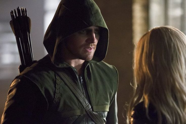 Arrow's Stephen Amell Teases The Rest Of Season 4 In One Word... But What Does It Mean?