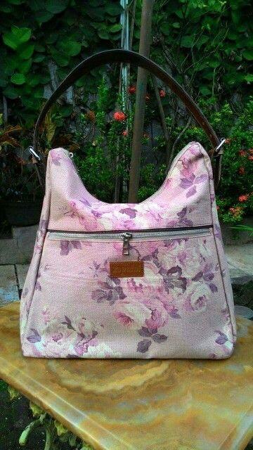 Beautiful pink flower hobo bag